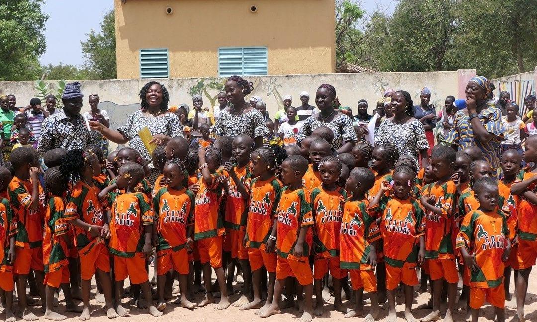 Mise à jour du microcrédit, Écoles maternelles et du programme cantine scolaire
